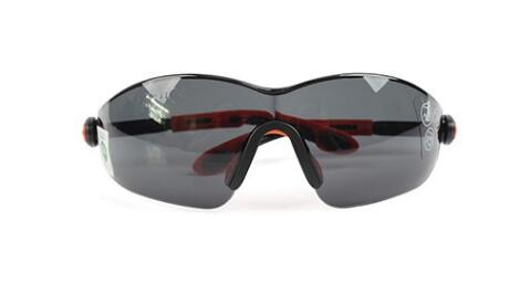 时尚型安全黑色<em style='color:red'>太阳镜</em>图片