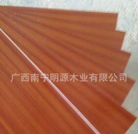 单面<em style='color:red'>三</em><em style='color:red'>氨</em><em style='color:red'>生态</em><em style='color:red'>免漆板</em>图片