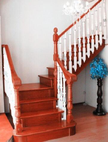 木制<em style='color:red'>整梯</em>(含安装)图片