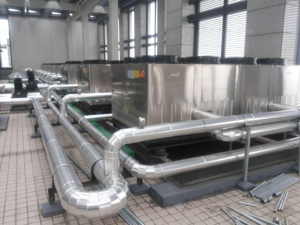 三集一体泳池恒温除湿热泵机组图片
